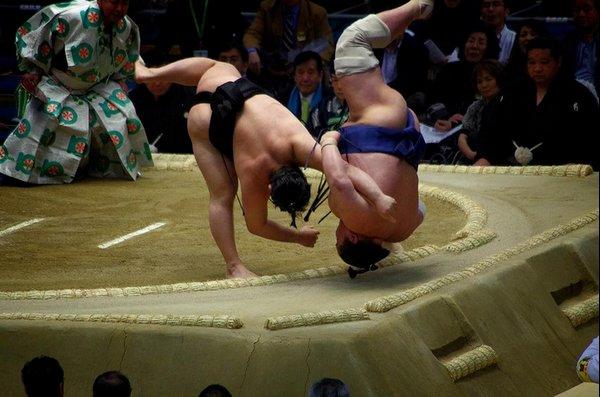 Shitatenage de Satoyama contre Masunoyama