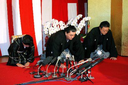 Harumafuji devient yokozuna