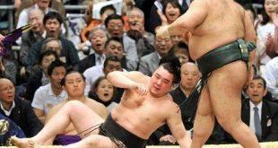 Harumafuji battu par Takayasu