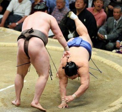 Hakuho contre Okinoumi