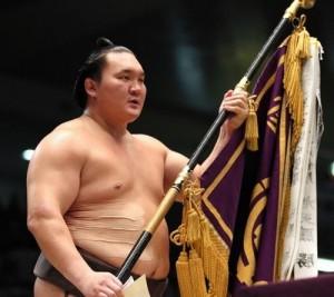 Hakuho remporte le basho