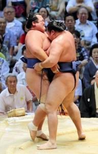 Kakuryu contre Kotoshogiku