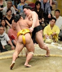 Défaite de Harumafuji contre Shôhôzan