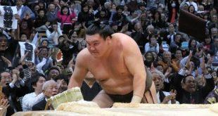 Hakuho après sa défaite contre Kisenosato