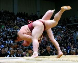 Hakuho contre Kisenosato pendant Kyûshû basho 2013