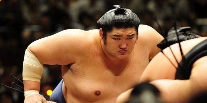 Kotomitsuki arrêté pour embauches illégales