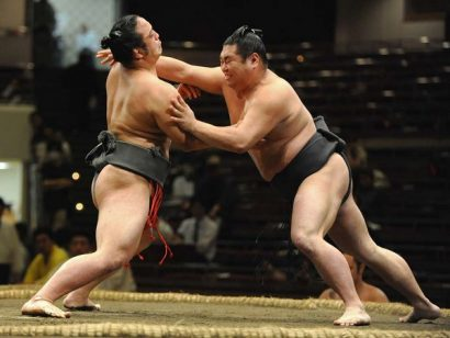 Les sumos de Ryogoku - le tachi ai | © Gilles Bordes-Pagès