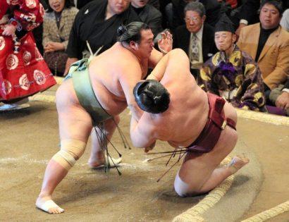 Kisenosato commence mal le tournoi contre Toyonoshima