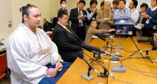 Kotoôshpu annonce son intai en compagnie de Sadogatake oyakata