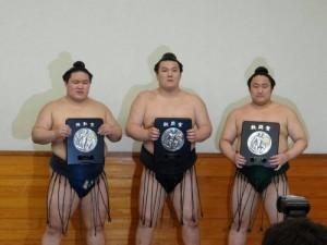 sensho pour Goeido, Ikioi et Sadanoumi