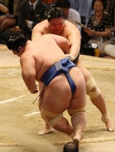 Goeido contre Kotoshogiku