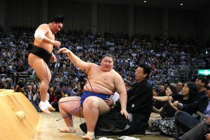 Défaite de Ichinojo contre Harumafuji