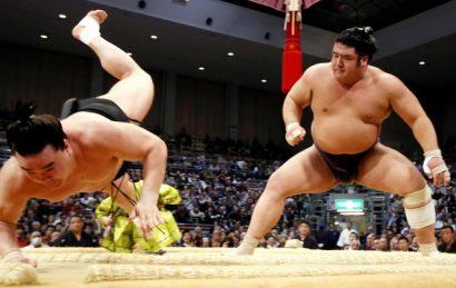 Tochiôzan bat à son tour Harumafuji