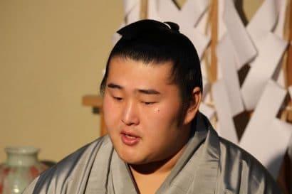 Tochinowaka annonce son intai