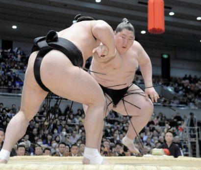Ichinojo obtient un second kinboshi en battant Harumafuji