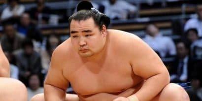 Yokozuna Kakuryû absent au tournoi de mai