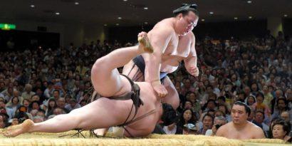 Défaite de Hakuho contre Kisenosato