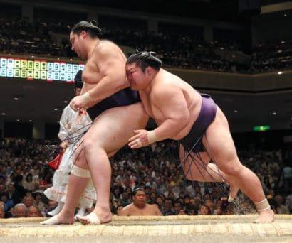 Première défaite pour Kaisei et Takayasu