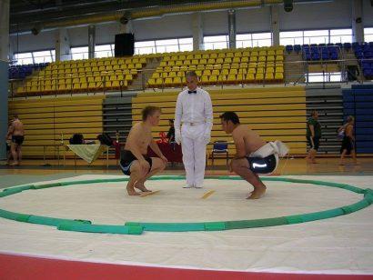 Jean-Philippe contre contre Tonu, un lutteur estonien