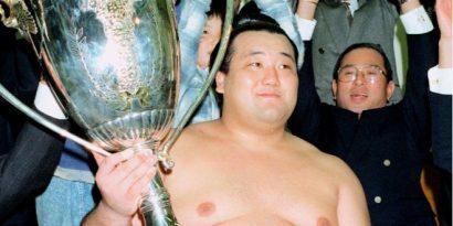 Takanonami est décédé à l'âge de 43 ans