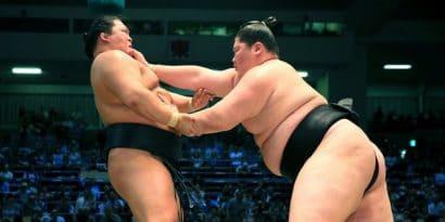 Goeido chute une nouvelle fois contre Ichinojo