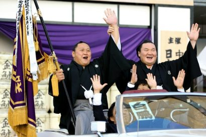 Hakuho remporte son 35ème tournoi