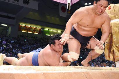 Kotoshogiku contre Myogiryu