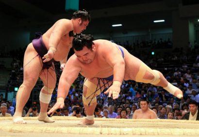 Kotoshogiku : 3 défaites en 4 jours