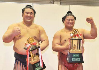 Tochiozan et Yoshikaze remportent l'un des trois prix spéciaux