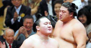 Hakuho après sa défaite contre Yoshikaze