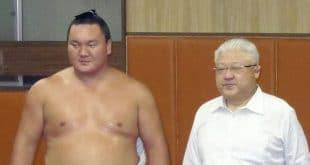 Hakuho avec Miyagino oyakata