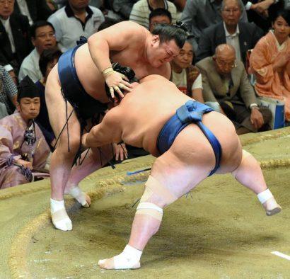 Ikioi perd tous ses espoirs de yûshô alors que Kakuryû se rapproche du titre