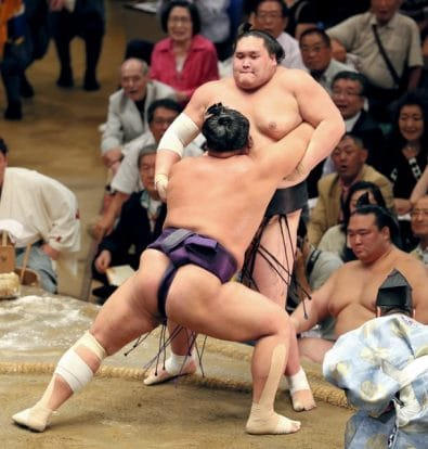Première défaite de Terunofuji face à Tochiozan