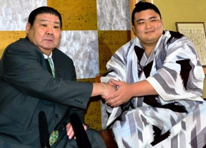 Asabenkei avec Takasago oyakata