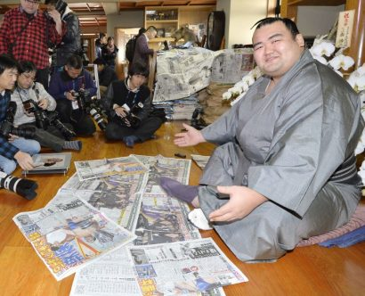 Kotoshogiku perpétue la tradition tardive de sa heya