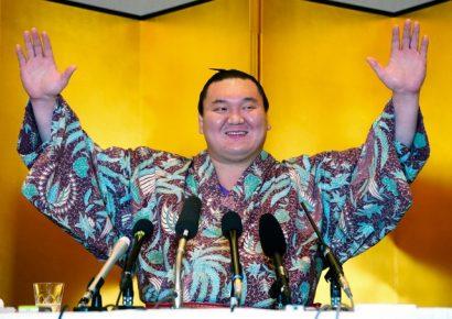 Hakuho semoncé par le conseil des Yokozuna