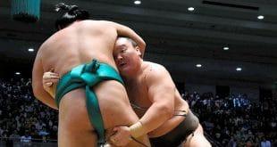 Hakuho contre Yoshikaze une