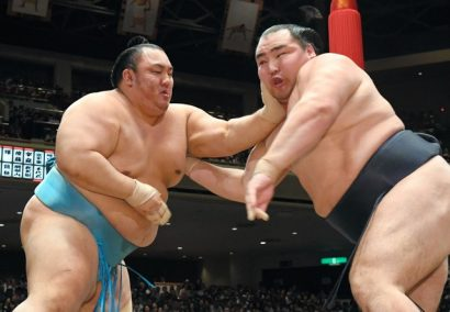 Kakuryu perd une seconde fois contre Kotoyuki.