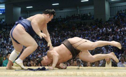 Ikioi a remporté le premier kinboshi de sa carrière en battant le yokozuna Hakuho.