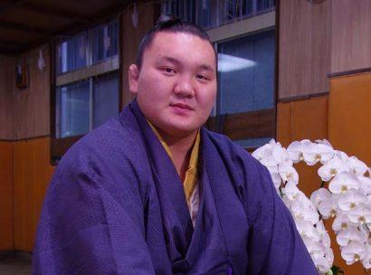 Hakuho jeûne trois jours pour retrouver la forme