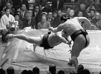 Haguroiwa contre Taiho
