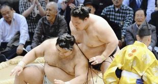 Goeido contre Takayasu