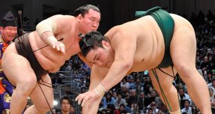 Hakuho contre Okinoum