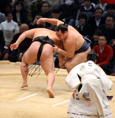 En battant Goeido, Kakuryu s'empare du titre