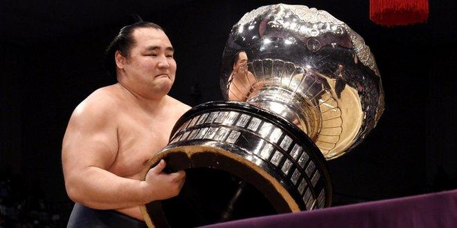 Finale – Kakuryu remporte le tournoi d'Osaka