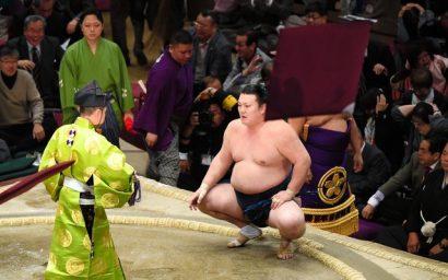 Ikioi a remporté le second kinboshi de sa carrière en battant le yokozuna Kakuryu.