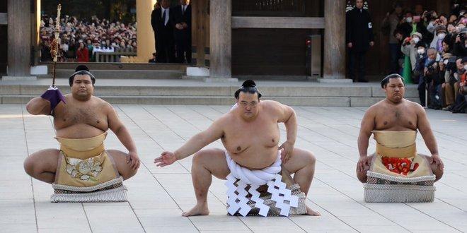 Kisenosato yukozuna dohyo iri
