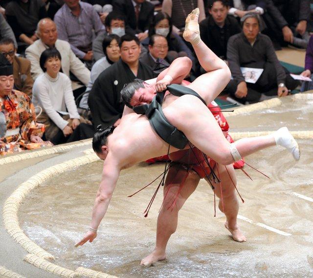 Yoshikaze contre Chiyoshoma