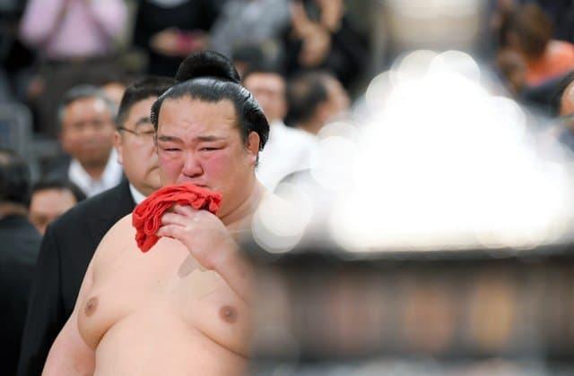 Kisenosato en larmes