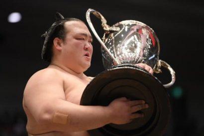 Kisenosato remporte son deuxième titre